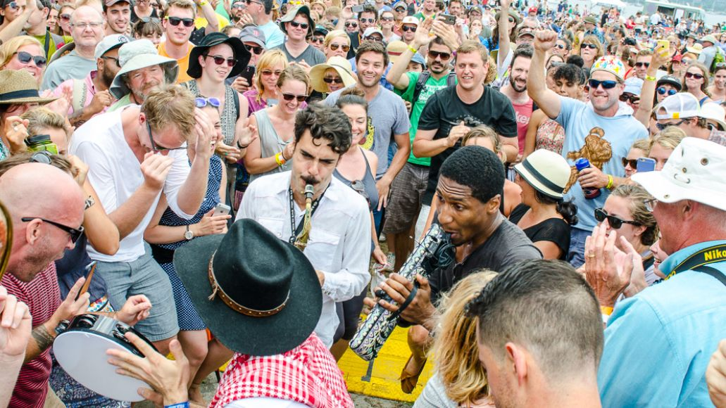 Ben-Kaye-Newport-Folk-Fest-Jon-Batiste-and-Stay-Human-7