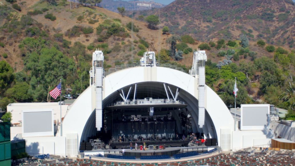 Hollywood_bowl_and_sign