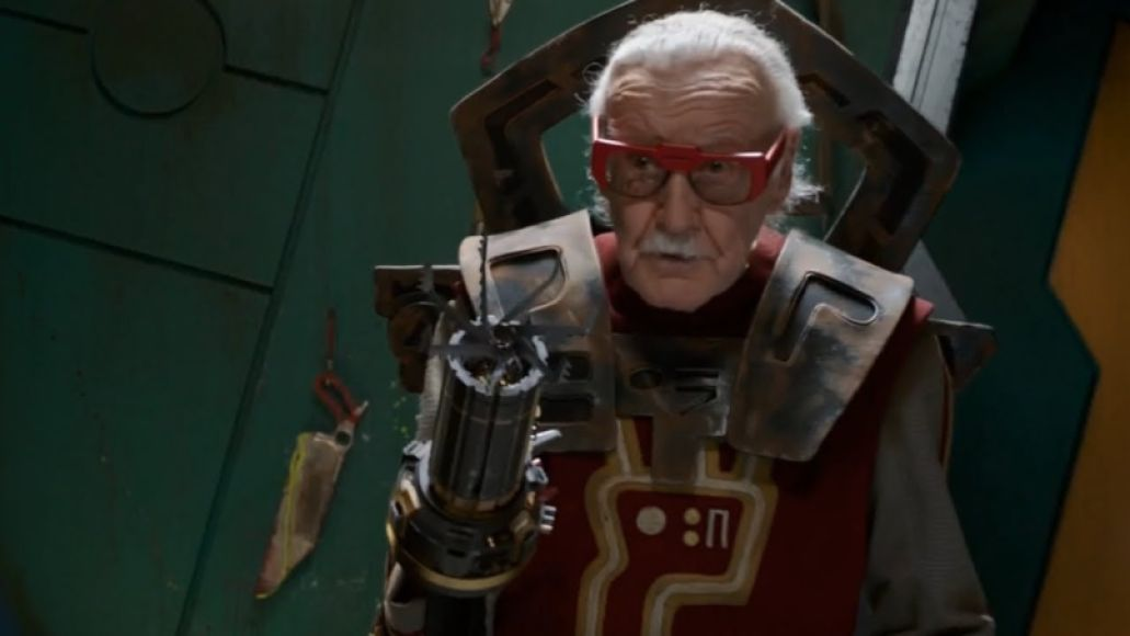 lee ragnarok Every Stan Lee Cameo in the Marvel Cinematic Universe