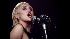Miley Cyrus Plastic Hearts