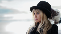 stevie nicks show me the way cameron crowe announcement Lindsey Buckingham Announces Livestream Concert from His Home Studio