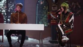 video-billie-eilish-silver-bells-jingle-ball