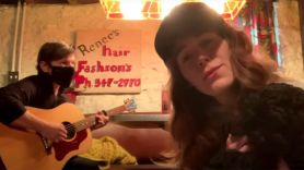 jenny lewis rilo kylie blake sennett let me back in linda perry's rock-n-relief livestream reunion performance