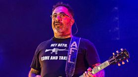 Staind's Aaron Lewis Pans Bruce Springsteen, Defends Confederate Statues