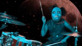 "Nandi Bushell Covers Slipknot's ""Duality"""